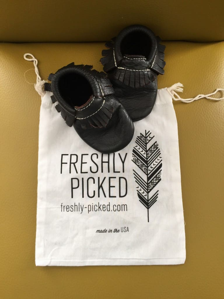 Freshly Picked moccasins review with canvas bag